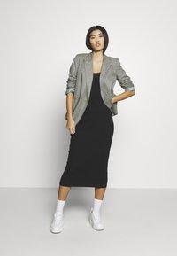 Samsøe Samsøe - SUELLA DRESS - Shift dress - black - 2