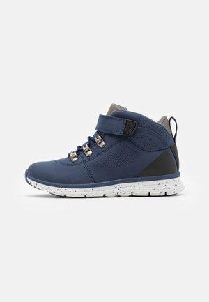 UNISEX - Kotníkové boty - navy