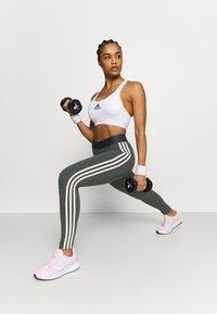 adidas Performance - Pantaloni sportivi - grey/pink - 1