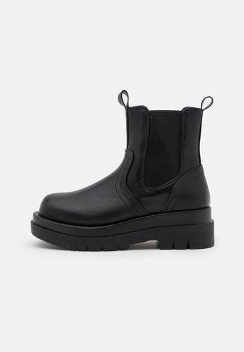 BRAZEN - Kotníkové boty na platformě - black