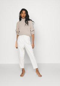Bruuns Bazaar - CINDY DAGNY PANT - Kalhoty - kit - 1
