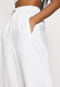 adidas Originals - PANT - Joggebukse - off white - 6