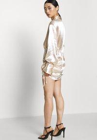 Gina Tricot Petite - SIDNEY SHIRT DRESS - Cocktailjurk - sandshell - 3