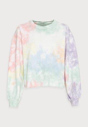 PRIDE CUTOFF CREW - Sweatshirt - white splouchy wash