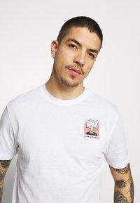 Only & Sons - ONSMIKKEL LIFE TEE - T-shirt med print - white - 3