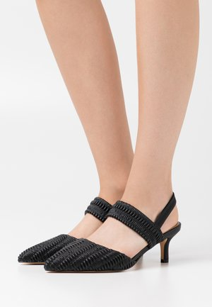 RUFFLED SLINGBACK DETAIL - Klassiske pumps - black