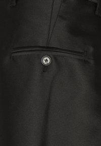 3.1 Phillip Lim - ORIGAMI  - Shorts - black - 6
