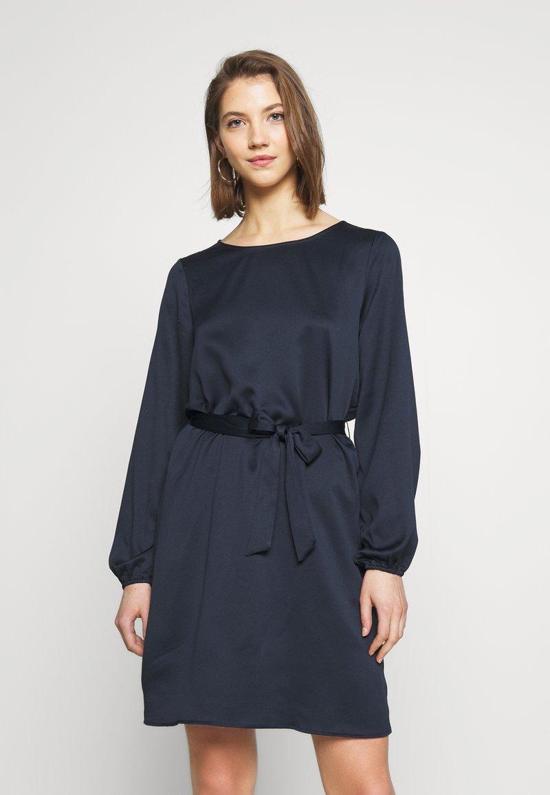 Vila - VILOPEZ BELT DRESS - Kjole - navy blazer
