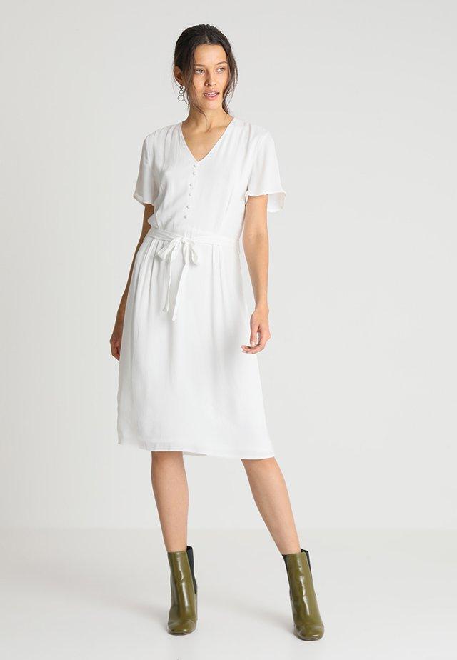 NILES DRESS - Sukienka koszulowa - off white