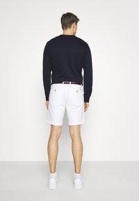 Tommy Hilfiger - BROOKLYN LIGHT - Shorts - white - 2