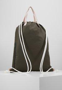 Lässig - TYVE STRING BAG - Batoh - olive - 2