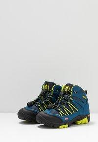 TrollKids - KIDS LOFOTEN MID - Hiking shoes - blue/lime - 3