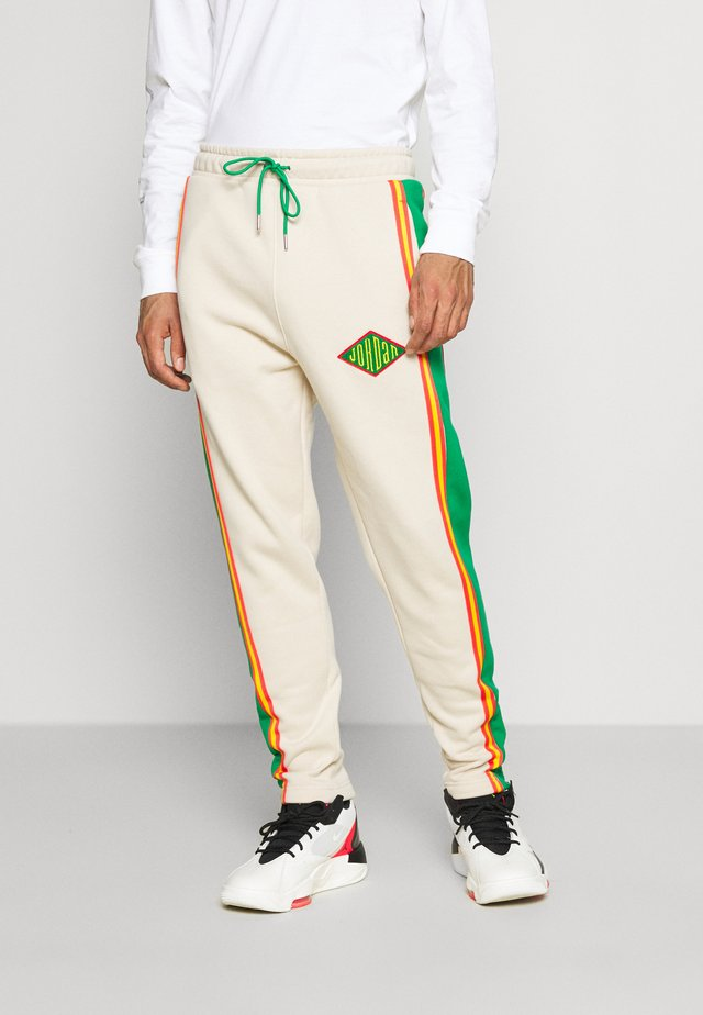 PANT - Tracksuit bottoms - oatmeal/lucky green/track red