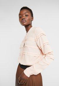 Bruuns Bazaar - LILLI DEENA BLOUSE - Blouse - cream rose - 3