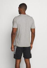adidas Performance - ESSENTIALS SPORTS SHORT SLEEVE TEE - Print T-shirt - medium grey heather/black - 2
