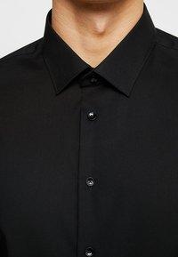 Seidensticker - SLIM FIT - Formal shirt - schwarz - 5
