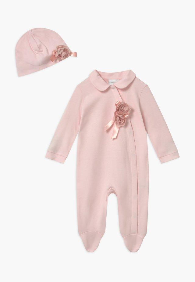 GIFT-BOX ROSA CON FIOCCO SET - Geschenk zur Geburt - rosa