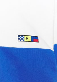 Nike Sportswear - REISSUE FAIRLEAD CREW - Sweatshirt - sail/game royal