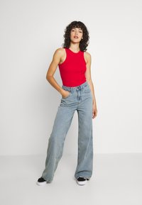 BDG Urban Outfitters - EMBROIDERED PUDDLE  - Relaxed fit jeans - summer vintage - 1