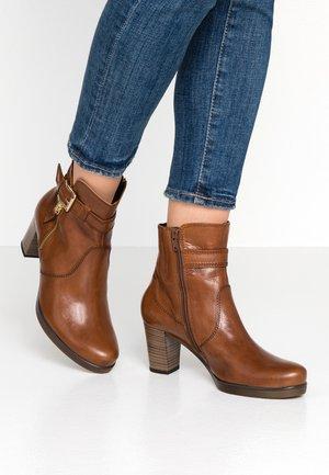 WIDE FIT - Classic ankle boots - cognac