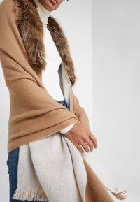 Lauren Ralph Lauren - RUANA - Cape - classic camel - 6