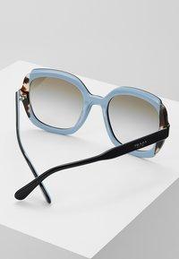 Prada - Sonnenbrille - black azure/spotted brown - 4