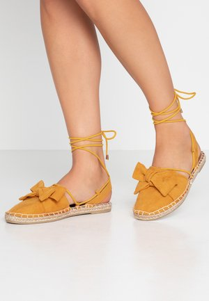 WIDE FITCORD TWO PART BOW - Loafers - mustard