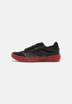 UA EVDNT ULTIMATEWAFFLE UNISEX - Sneakers - black/red