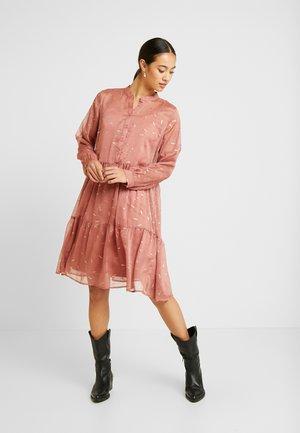 VALIS - Shirt dress - faded rose