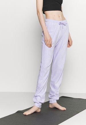 HIGH WAIST TOWELLING - Pantalon de survêtement - lilac