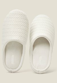 OYSHO - Slippers - white - 4