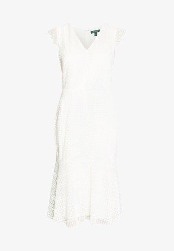 MULTISTITCH DRESS - Denní šaty - matte ivory