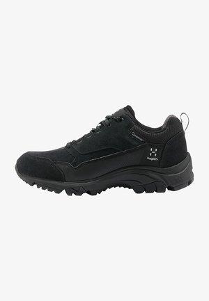 SKUTA LOW  - Hiking shoes - true black