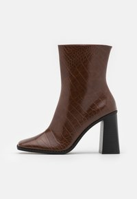 VEGAN ROBBIE BOOT - High heeled ankle boots - brown medium dusty