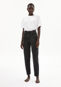 ARMEDANGELS - MAIRAA - Straight leg jeans - washed down black - 1