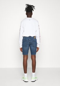 Only & Sons - ONSPLY ZIP RAW HEM  - Denim shorts - blue denim - 2