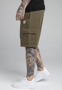 SIKSILK - Shorts - khaki - 4
