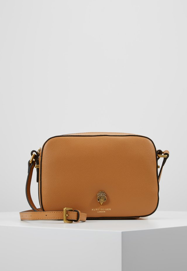 RICHMOND CROSS BODY - Borsa a tracolla - camel