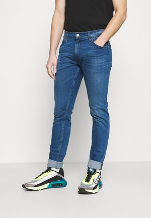 JONDRILL - Slim fit jeans - medium blue