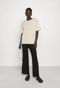 Filippa K - DAGNY - T-shirt - bas - ivory - 1