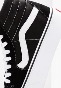 Vans - SK8 PLATFORM 2.0 - Sneakersy wysokie - black/true white - 2
