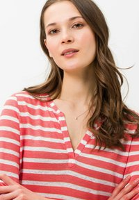 BRAX - STYLE CLAIRE - Long sleeved top - coral - 4