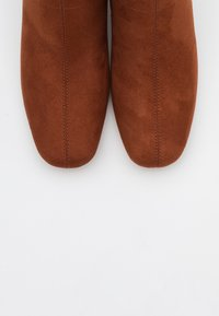 ONLY SHOES - ONLBILLIE LIFE HEELED BOOT  - Botines - rust - 5