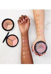 IsaDora - FACE SCULPTOR - Face palette - cool pink - 3