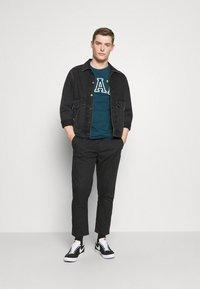 GAP - EASY PANT - Spodnie materiałowe - moonless night - 1