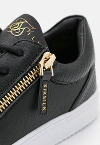 SIKSILK - LEGACY ANACONDA - Sneakers basse - black - 5