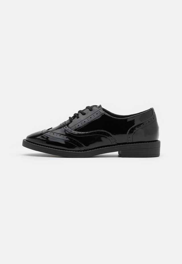 KEANU BROGUE - Lace-ups - black