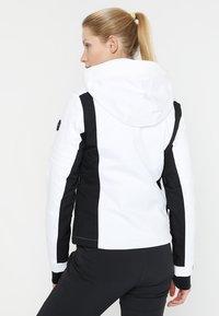 Superdry - SLEEK PISTE SKI JACKET - Ski jacket - white - 3