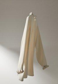 Massimo Dutti - MIT VOLANTS  - Blouse - white - 4