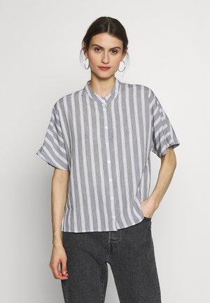 FASHION - Button-down blouse - weiß/schwarz